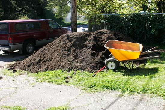 10 Cubic Yard of Soil