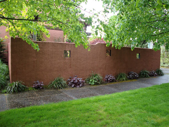 Our earthbag wall workshop contest seattle homestead for Stucco garden wall designs