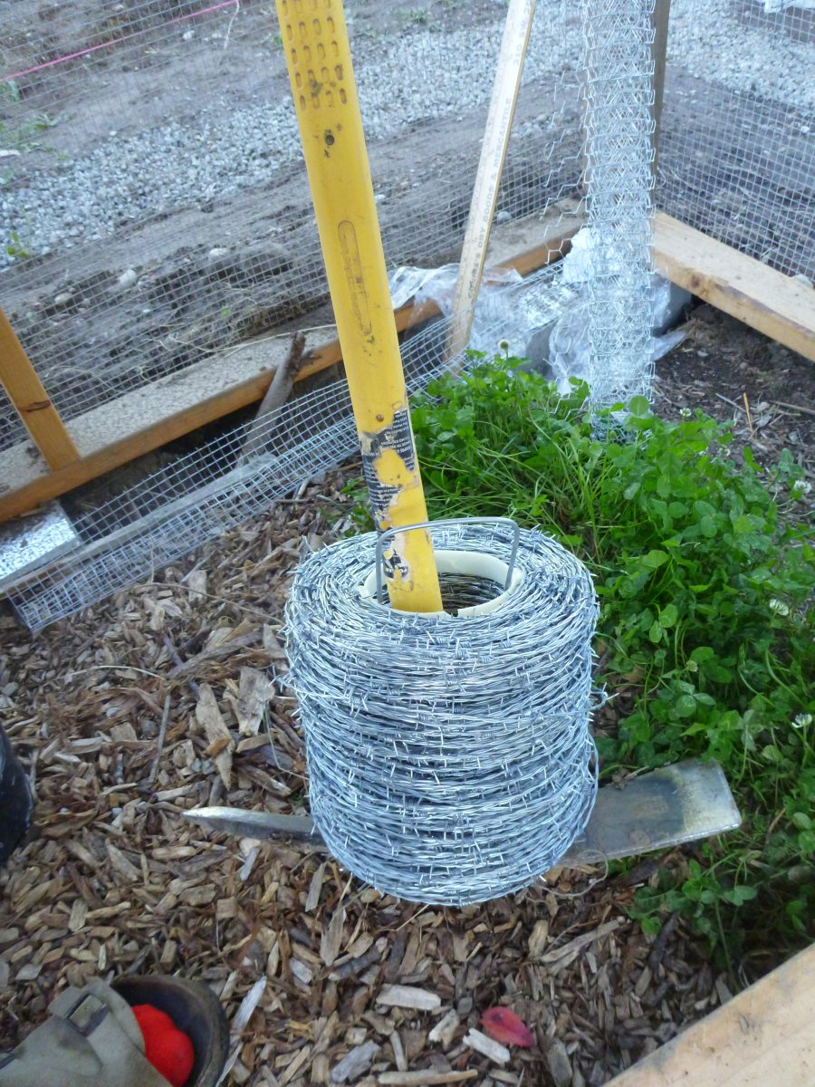 Easy Way to Unroll Barbed Wire